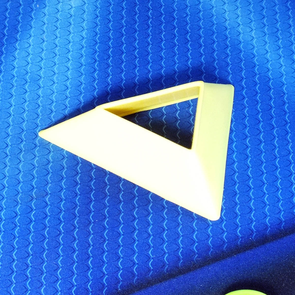 Подставка для кубиков, жёлтая