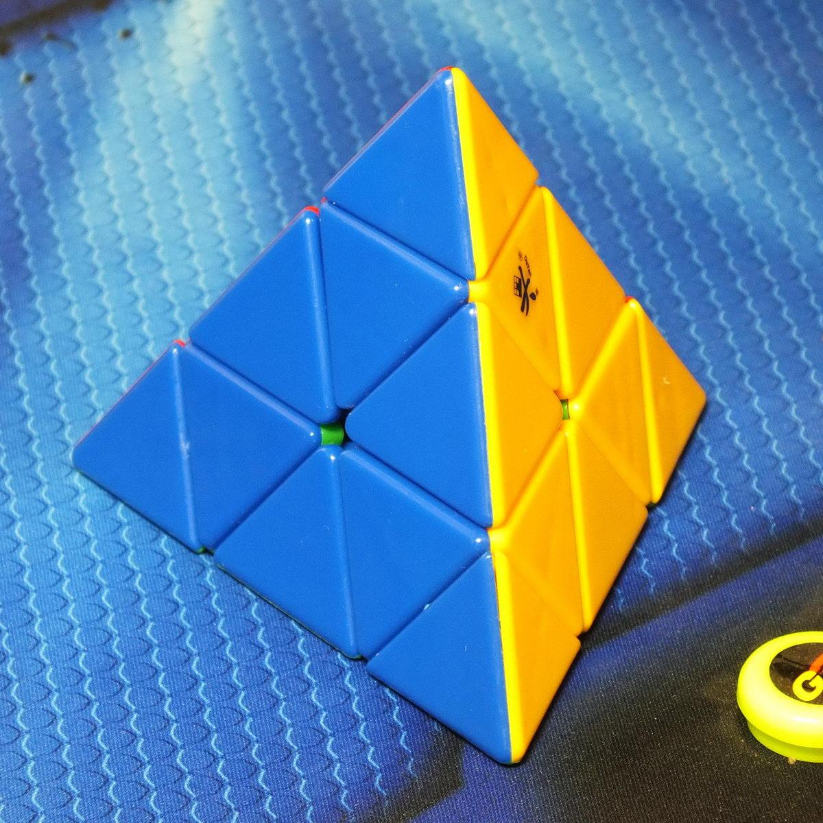 Dayan Pyraminx stickerless