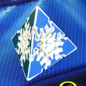 HeShu Gear Pyraminx 2x2 white