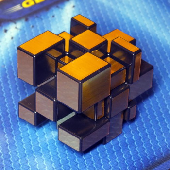 Shengshou Mirror Blocks golden