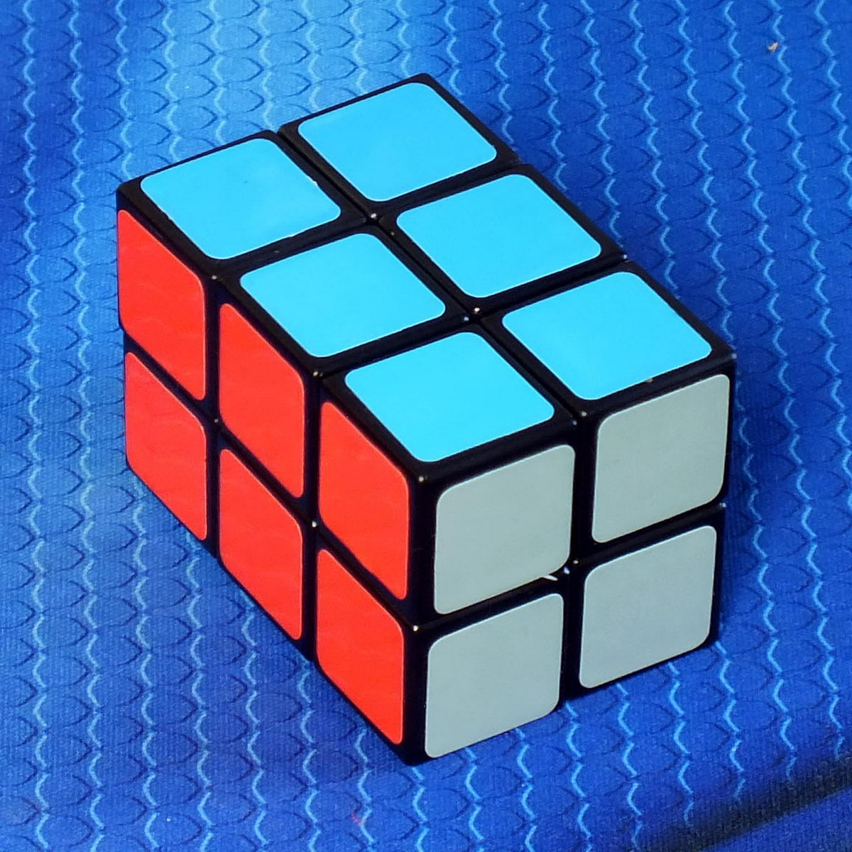 X-cube 2x2x3 black