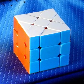 Головоломка Fanxin Fisher Cube stickerless