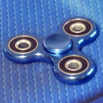 Спиннер металлический Clover blue