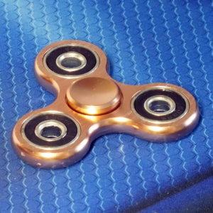Спиннер металлический Clover golden