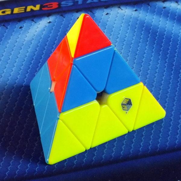 Yuxin Little Magic Pyraminx stickerless